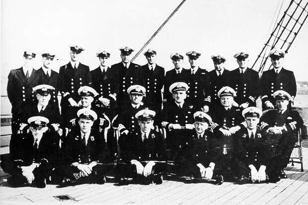 Officers of HMS Jervis Bay (courtesy NB Museum) - Click for further information.